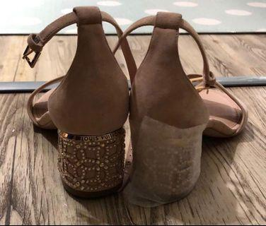 LV Heels Size: 36.5 (Brand New)
