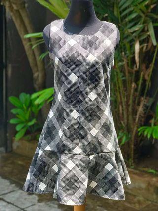 Short Dress Black White