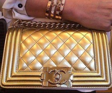 Chanel boy bag medium gold patent
