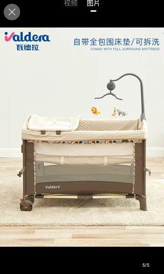 便携式可折叠婴兒床/遊戲床