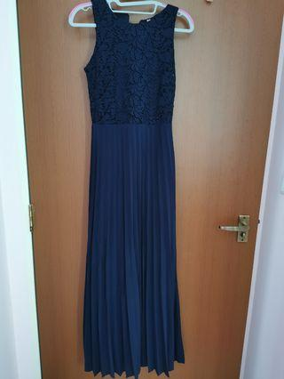 Preloved TVD Summrt Romance Maxi in Navy