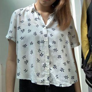 Pull and bear button up top (crop)