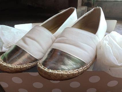 Flatshoes putih