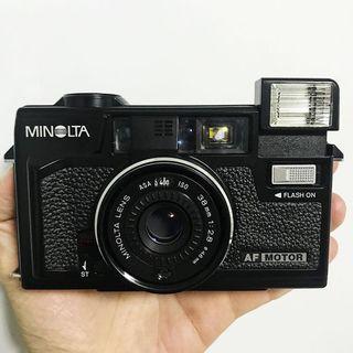 MINOLTA HI-MATIC AF2 M