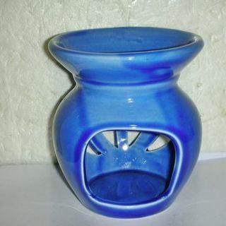 🚚 aaL皮商旋.全新未用高約10.2公分陶瓷藍色燃燭式精油台/燭台!---提供給需要的人!/黑箱17/-P