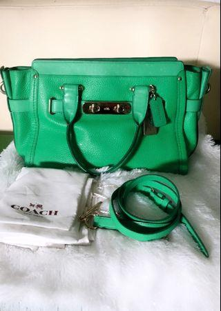 Coach swagger 33 Authentic