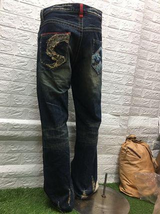 32腰 微刷破設計 #BIGTRAIN #牛王 #刺繡牛仔褲  🌸黃87