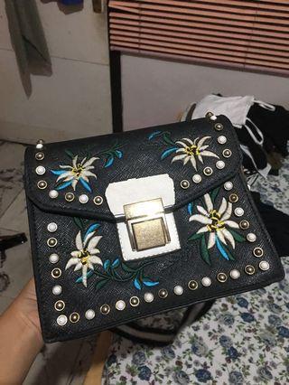Sling bag HK