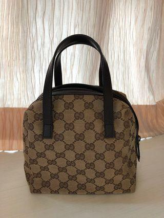 🚚 Gucci Handbag (Authentic)