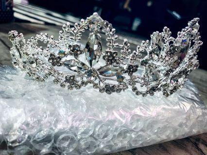 New 1pc Instock Silver Tiara Crown