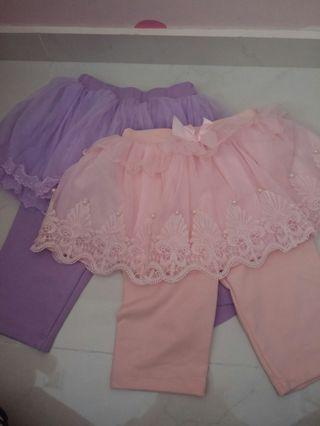 🚚 Pom pom skirts with 3/4 tights (size M/L)