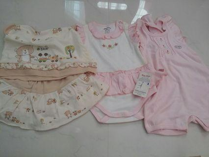 🚚 Newborn baby girl jumper suits (0~1 yrs old)