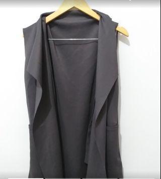 Vest grey cutting flowy