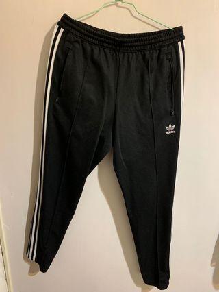 二手 ADIDA TRACK PANTS 黑白 三線 直筒 窄版 運動長褲 男款 CW1269 SIZE:M