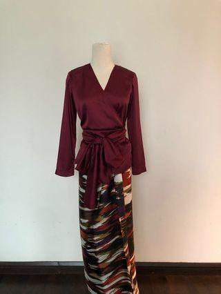 Kebaya wrap top in maroon with matching pareo