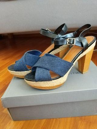 Charles & Keith Blue Heels size 37