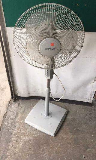 """Mowe 16"""" Standing Fan for sale @$20 each"""