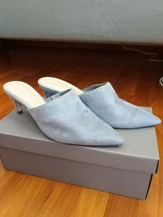 Charles & Keith Gray Velvet heels size 37