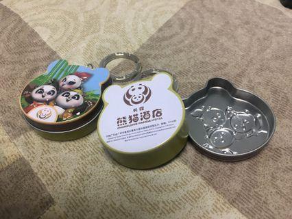 🚚 造型鐵盒鑰匙圈_廣州長隆熊貓酒店