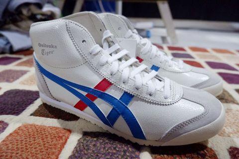 Sepatu Yang lagi Ngehits, keren, and Must Have