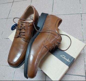 Brown Clarks formal shoes