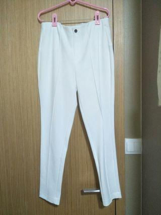 White Pants (fitting with pleats)