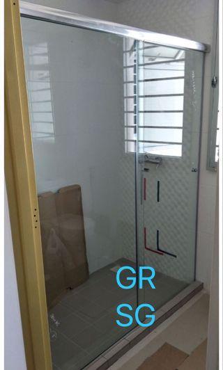Top track aluminium shower screen - sliding glass