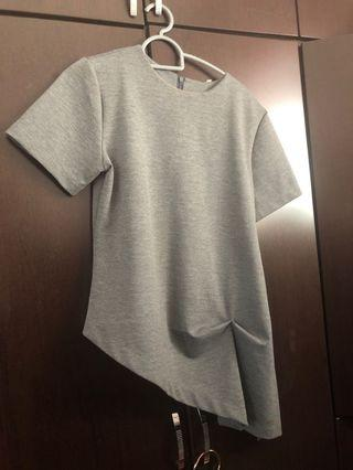 Grey The Box Top in M