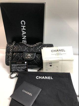 Chanel signature bag in black