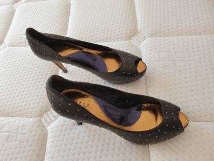 Pedro elegant heel