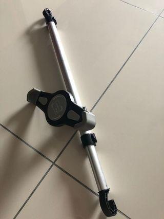 Car seat 360-degrees full rotating holder for iPad tablet