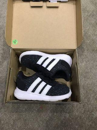 Adidas kid infant shoes in black