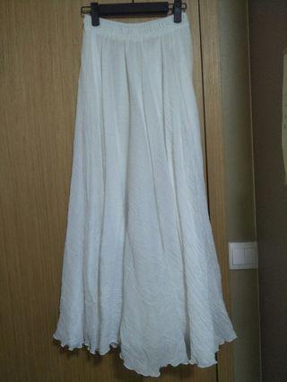 Flare white skirt