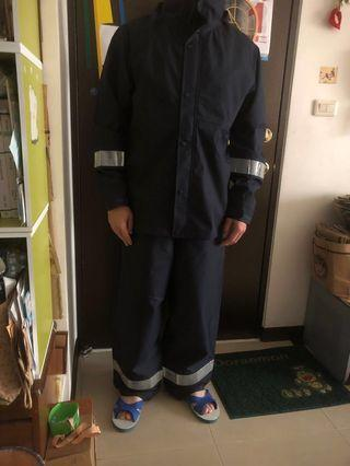 🚚 防風防雨兩節式雨衣