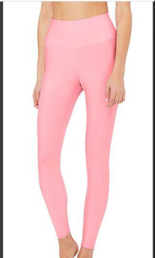 🚚 **SALE! Delisting on 27 May** Alo Yoga 7/8 airlift leggings in Flamingo