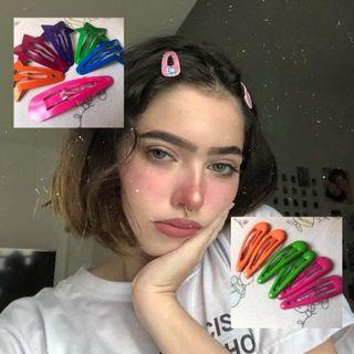 90s inspired coloured clips