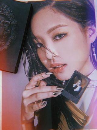 (WTT) Jennie Polaroid & Poster - Blackpink KTL Album , Black Version