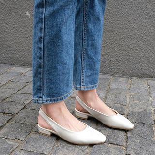 🚚 韓國SAPPUN Croben 後絆帶 平底鞋 (3cm) 白色