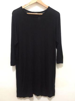 🚚 [現貨] 韓國軟料棉質側岔長版T-黑色
