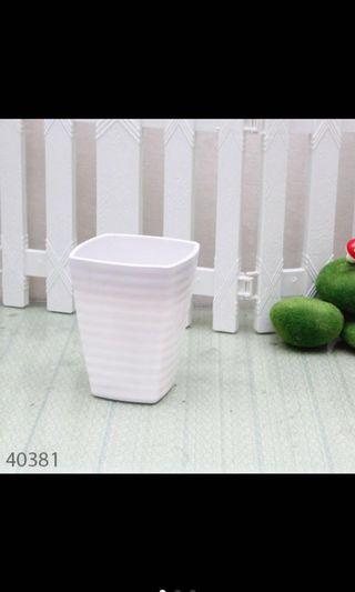 4 pcs Pot Bunga