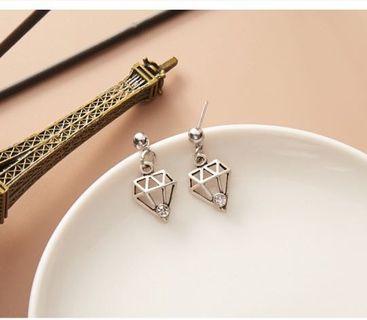 鑽石造型水鑽耳環