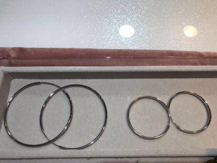 銀色圓圈耳環,兩對90