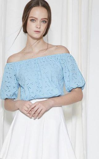 🚚 Fashmob Eyelet Off Shoulder Top