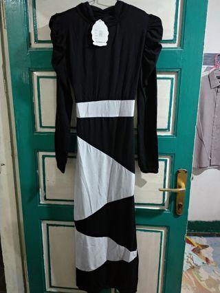 #HBDSale Dress Asimetris Hitam Putih