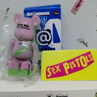 Bearbrick Series 29 Artist Sex Pistols UK punk figure (Glow in the Dark)