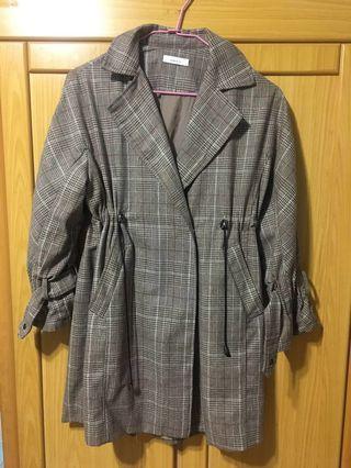 🚚 格紋 風衣外套