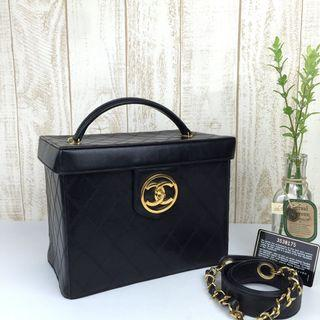 🌈⛄️Super Chic Chanel Box