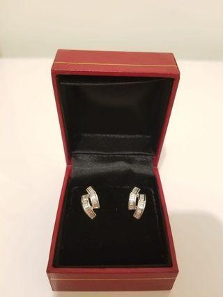 18K Gold Diamond Earrings 18K金鑽石耳環 9成新 90% New