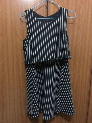 🚚 Black Striped Dress