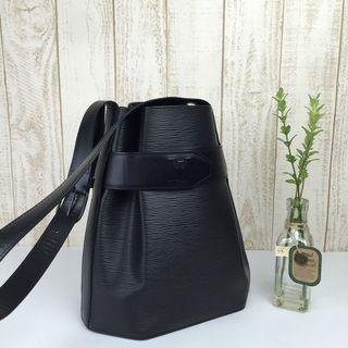🌈⛄️Most Classic LV Bucket Bag